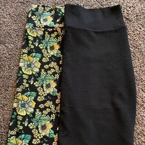 BARGAIN BIN🎁. Two 2x Cassie skirts